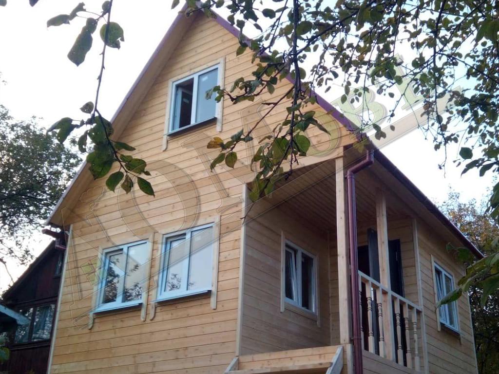 Дачный дом 3,5х5 с мансардой 3х5, с террасой и верандой 1,5х2,5 - фотографии