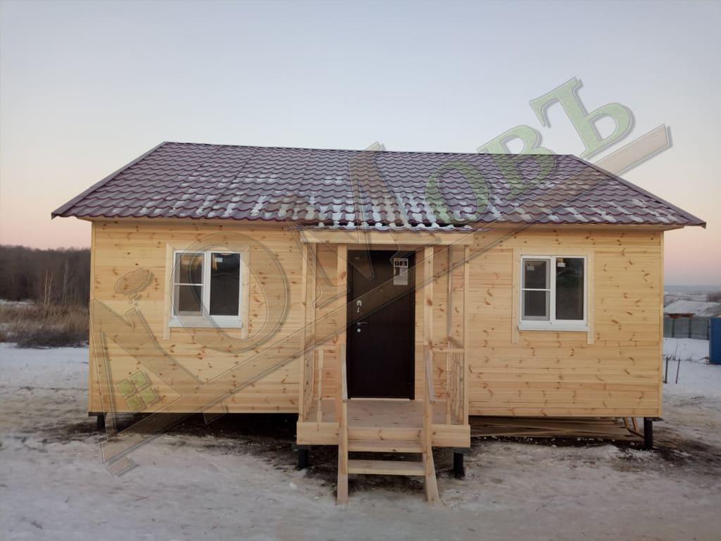 Фотография каркасного дома 8х8 с террасой 1,5х2 - экстерьер, ракурс 1